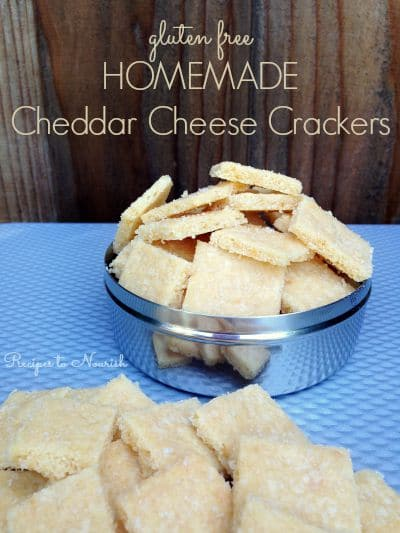 Homemade Cheddar Cheese Crackers ... these delicious gluten free crackers are full of flavor. You won't be able to stop with just one handful. | Recipes to Nourish