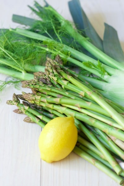 Fresh lemon, asparagus, fennel and leek.
