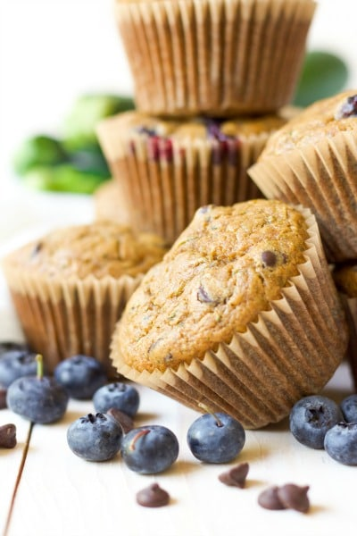 Muffins with fresh blueberries, chocolate chips and zucchini.