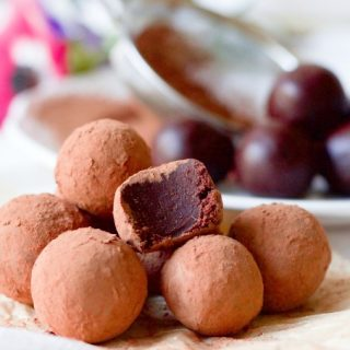 4 Ingredient Sugar Free Chocolate Caramel Truffles