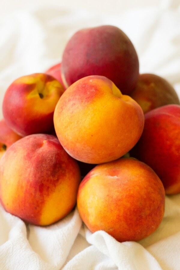 Pile of fresh peaches.