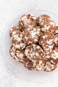 Plate of chocolate crinkle cookies.